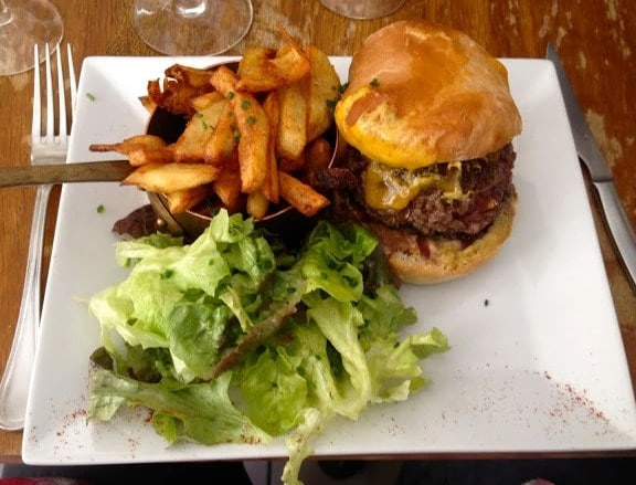 Buy this hamburger at LePicotin in Paris and pay with Bitcoin